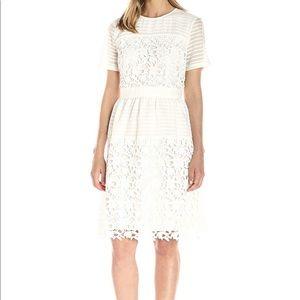 Women's Short Sleeve Lace Dress